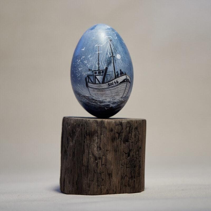 Ett skepp ristad på ägg av Maria Lancing